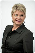 headshot of Kathy Schwarting